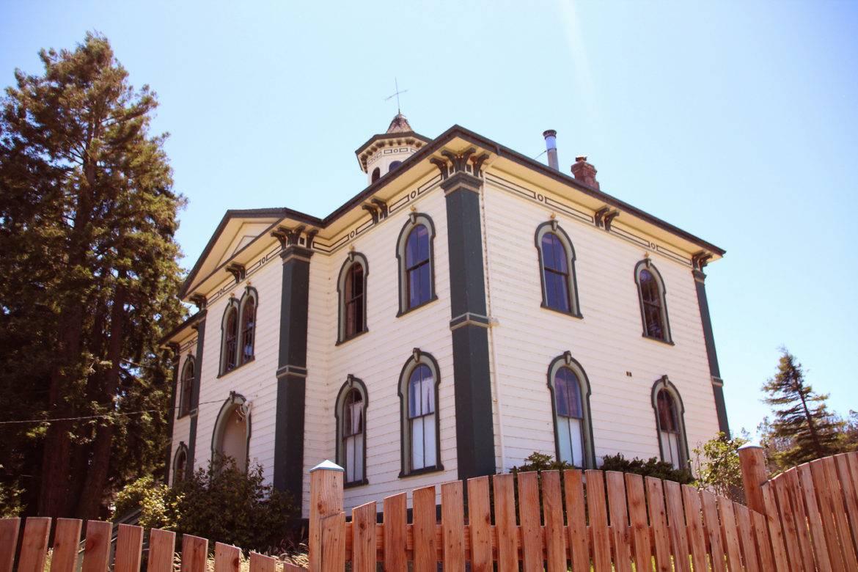 School house where the Birds was shot in Bodega Bay