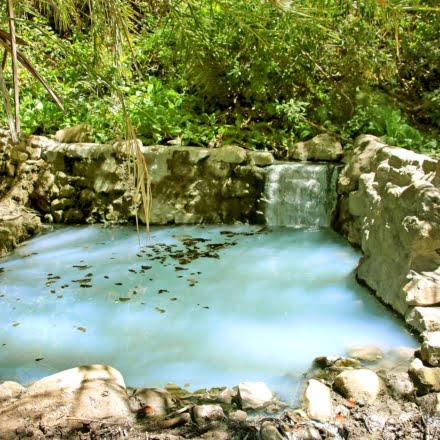 The Gaviota Hot Springs are less than a mile hike through a shaded trail which will lead you to the light, milky blue pool with smells of sulfur permeating.