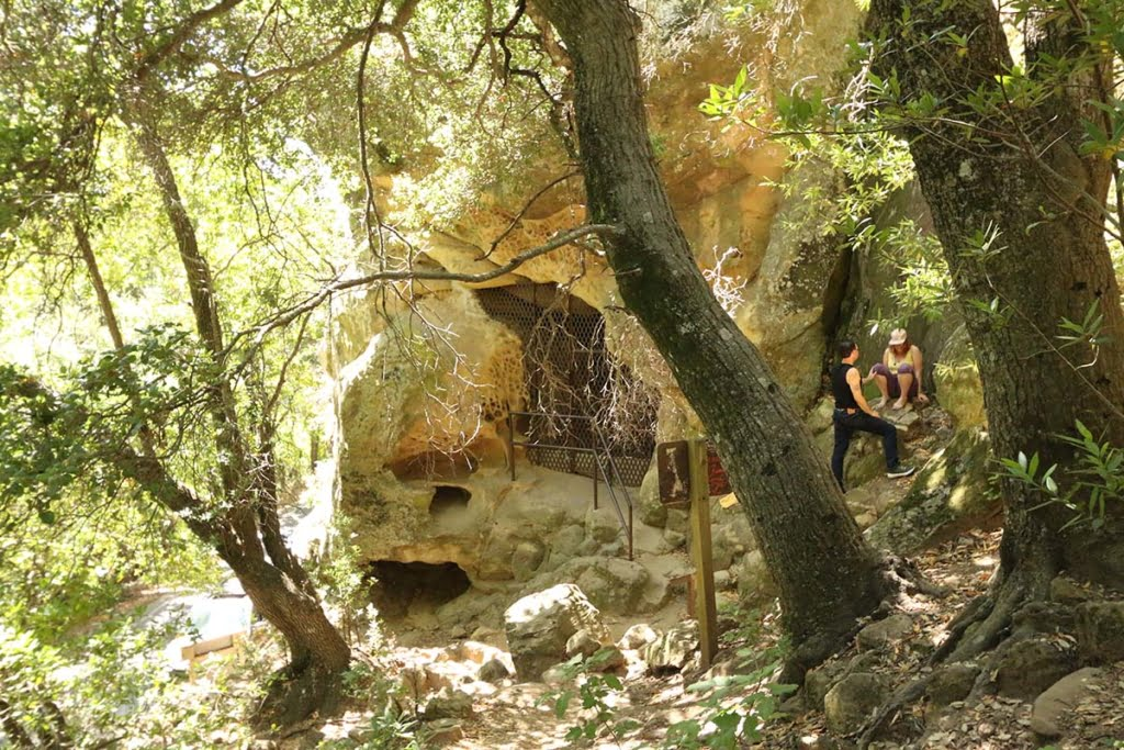 Chumash Painted Cave (6)